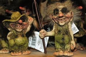 trolls-en-una-tienda